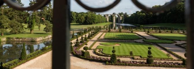 Jardin à la française Chateau de Maintenon (28 Eure et Loir ...